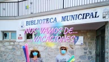 cartel de cerrado por vacaciones desde el 4 de agosto al 5 de septiembre